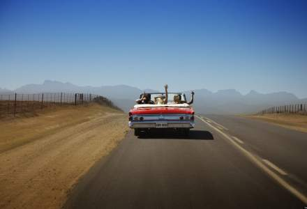Top 10 albume de ascultat cand esti intr-un road trip