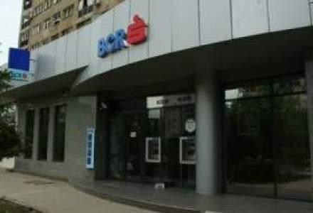 Clientii nemultumiti ai BCR au pierdut procesul cu banca