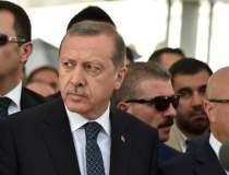 Basescu: Erdogan duce Turcia...