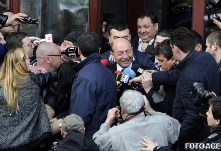Firea vs Basescu: Procurorul general a infirmat trimiterea in judecata a fostului presedinte in dosarul cu Firea. Ancheta va fi reluata