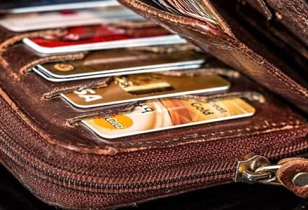 ANAF ar putea renunta la intentia de a colecta automat numele romanilor care isi fac cumparaturile cu cardul