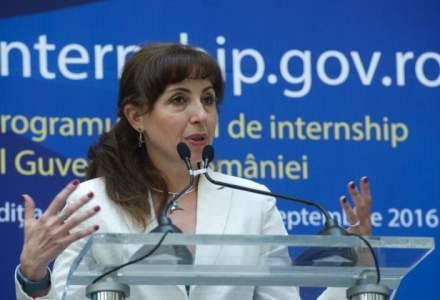 """Cristiana Pasca-Palmer, ministrul Mediului: """"Importam de trei ori mai mult lemn decat exportam"""""""