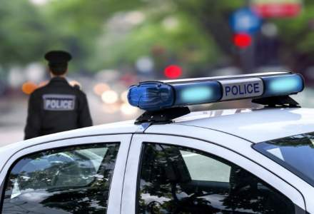 Doi politisti au fost atacati de un barbat cu maceta in Belgia