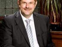 Noul sef Volksbank: Vom...