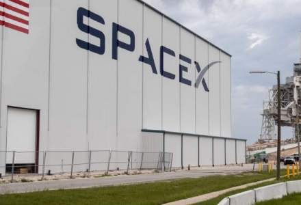 SpaceX a plasat pe orbita un satelit