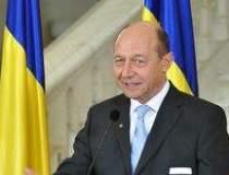 Basescu vrea euro in 2015....