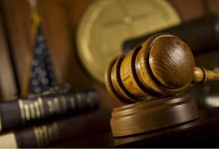 Instantele din Arges si Valcea, in greva; magistratii cer reorganizarea justitiei, salarizare nediscriminatorie si demisia ministrului Justitiei