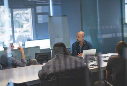 (P) Cinci masuri esentiale pentru a avea un birou cu adevarat mobil