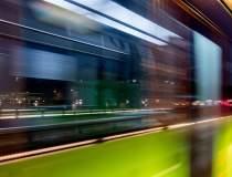 EY: Transportul public are...