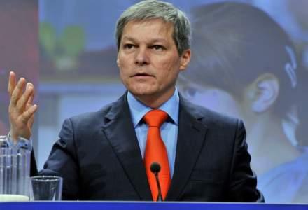 Dacian Ciolos: Guvernul pregateste o schema de ajutor pentru companiile mijlocii de 900 de milioane lei