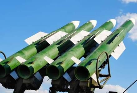 Clinton a amenintat ca va incercui China cu rachete