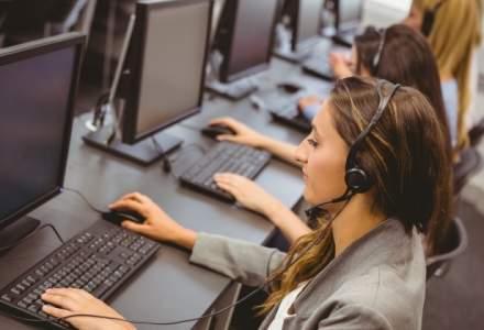 Femeile domina ca numar industria de servicii pentru afaceri. Barbatii ocupa posturile cu cele mai mari salarii