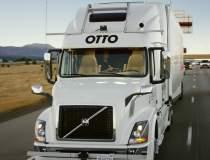 VIDEO: Un camion fara sofer a...