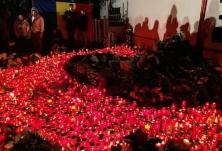 Televiziunile din Romania difuzeaza documentare si programe speciale la un an de la tragedia din clubul Colectiv
