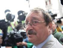 Mircea Basescu ramane inchis,...