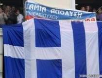 Grecia, pe marginea...