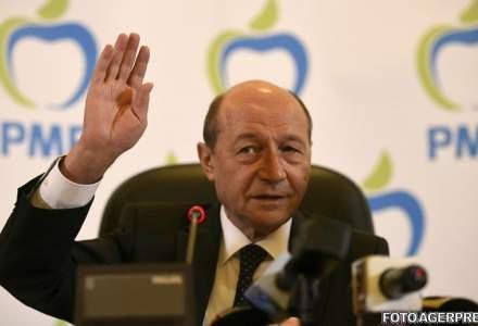 Traian Basescu a vizitat Targul Indagra, in cautare de utilaje agricole: Vreau sa imi exploatez singur terenul