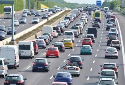 Trafic ingreunat pe mai multe drumuri din tara; se circula in coloana pe Valea Prahovei si la intrarea in Bucuresti de pe A1