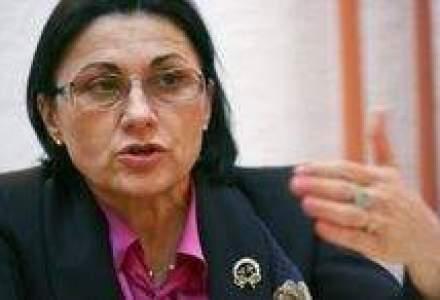 Ecaterina Andronescu, acuzata de conflict de interese. Vezi cum se apara senatorul PSD