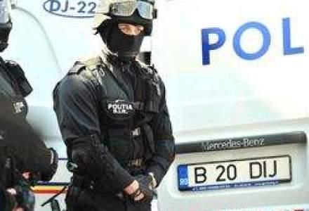 Guvernul taie din nou salariile politistilor. Salariul maximum al unui politist va fi de 1.200 lei