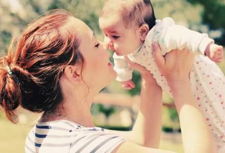 Smartree: Eliminarea plafonului de indemnizatie ar putea dubla numarul de mame care vor sta doi ani in concediu