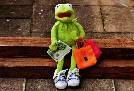 """Cine va plati factura creditelor de consum cand dobanzile vor creste. Bancile aplica strategia """"unde este loc de un credit, mai merge inca unul""""!"""