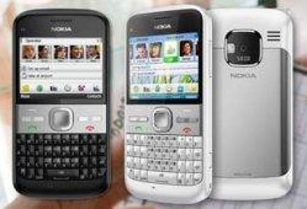 Razboiul smartphone: Samsung si Apple pun capat dominatiei Nokia
