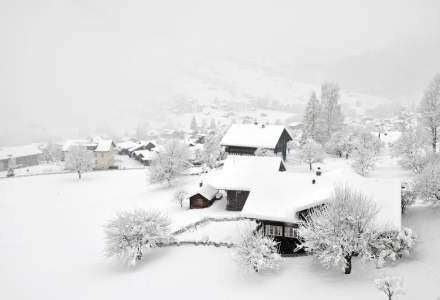 Zapada de peste un metru in Apuseni. Aproximativ 100 de persoane sunt izolate intr-un sat