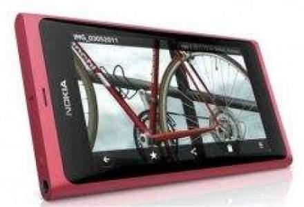 Nokia lanseaza primul si ultimul telefon care functioneaza pe Meego, platforma dezvoltata cu Intel
