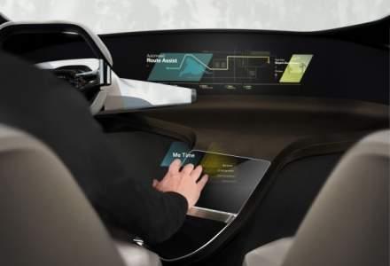 BMW ne dezvaluie un touchscreen virtual pentru interiorul viitoarelor modele