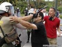 Ciocniri violente la Atena....