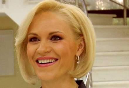 GSP prezinta inregistrarea unei ceremonii de la Londra in care iubita lui Secureanu e prezentata drept Gabriela Firea