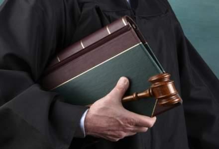 Legea de abilitare a Guvernului sa emita ordonante in vacanta parlamentara, adoptata de Senat