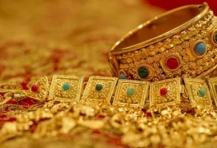 Un roman a furat diamante si inele de 5 mil. euro dintr-un magazin de bijuterii din Franta