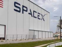 SpaceX a lansat cu succes o...