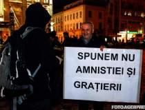 Protest masiv la Guvern:...