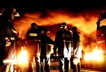Incendiu la clubul Bamboo din Bucuresti: mai multe zeci de persoane au fost transportate la spital