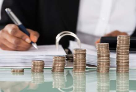 Creditele acordate populatiei si firmelor au scazut cu 0,2% in decembrie, insa anual au inregistrat o crestere cu 1,2%