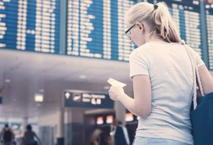 Probleme la aeroport? Care sunt drepturile calatorilor cu avionul atunci cand li se pierd bagajele sau cursele au intarziere