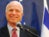McCain critica ridicarea...