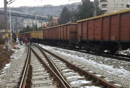 Fara investitii majore in doua decenii, trenurile de transport romanesti au ajuns sa ruleze in medie cu 28km/h