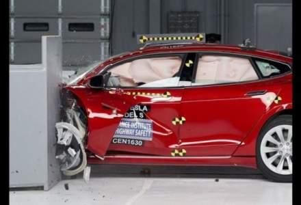 Tesla Model S nu a trecut clasa la capitolul securitate in caz de accident