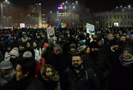 A noua zi de proteste in Piata Victoriei din Capitala s-a incheiat dupa cinci ore