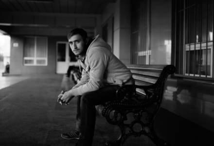 Pesimism in randul tinerilor: acestia se asteapta sa o duca mai rau din punct de vedere financiar decat parintii lor