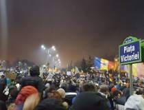Manifestantii din Piata...