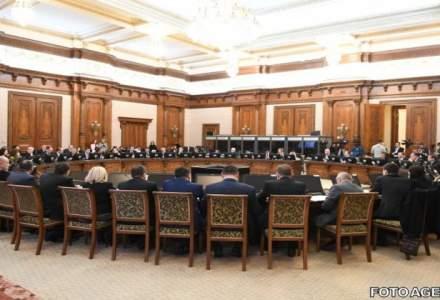 Parlamentul a dat aviz favorabil in unanimitate pentru referendumul declansat de presedinte pe tema justitiei
