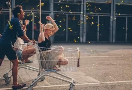 Analiza: Romanilor le place la cumparaturi, insa resimt mai mult presiunea timpului decat restul europenilor