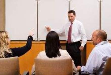 Pe bancile scolii: Managerii de top vorbesc despre profesorii care i-au format