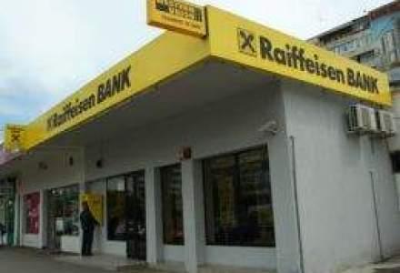 Raiffeisen Bank: Cererea de carduri de credit a crescut cu 50% in primul semestru