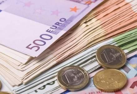 Isarescu: Pentru adoptarea euro, trebuie sa reducem decalajele de dezvoltare dintre regiunile Romaniei